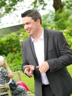 Wedding and Corporate Magician and Entertainer